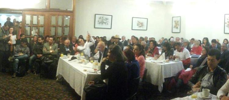 Encuentro de las centrales sindicales y 41 organizaciones sociales en Bogotá, que reactivó el Comando Nacional Unitario.